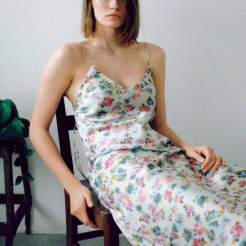 Vestido Estampado Frunces Laterales ZARA
