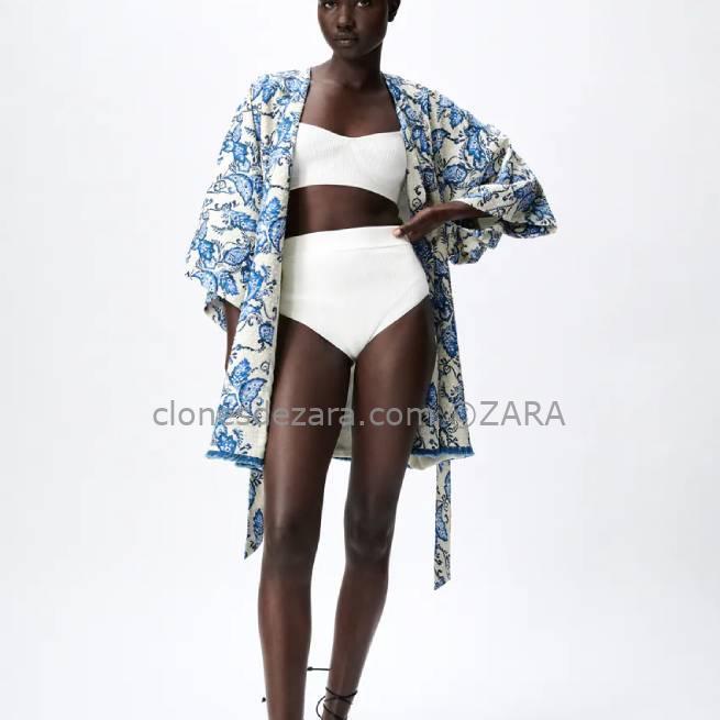 Kimono Estampado Azul ZARA